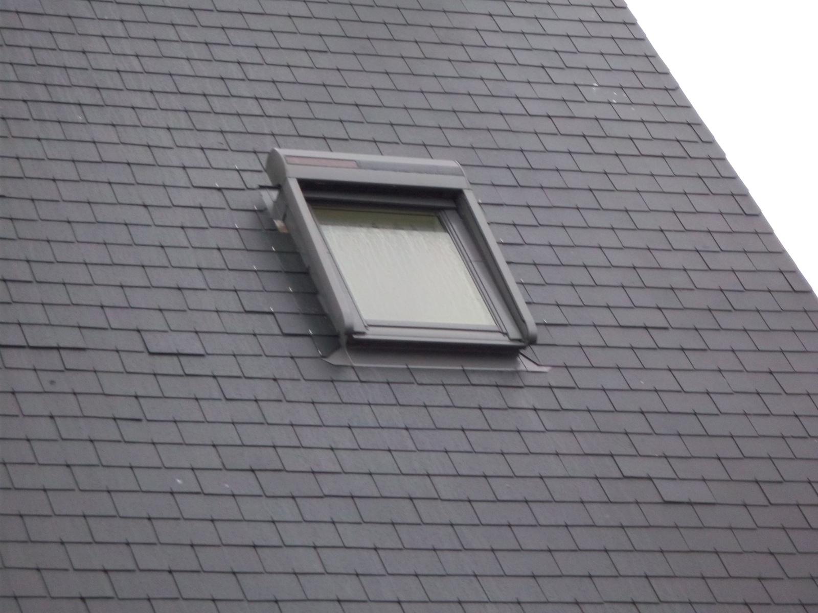 fen tre de toit quimper pose fen tres de toit claude fouquet. Black Bedroom Furniture Sets. Home Design Ideas